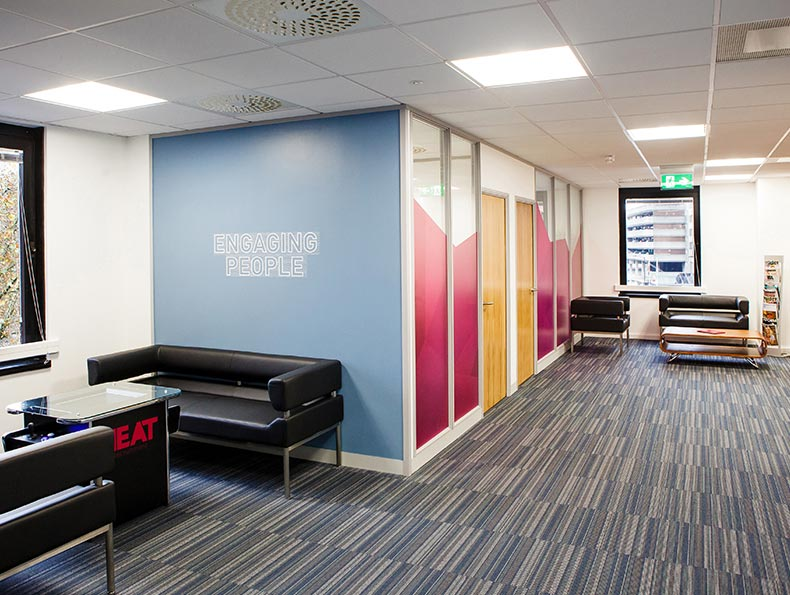 Office interiors bristol cheltenham swindon avent for Office fit out