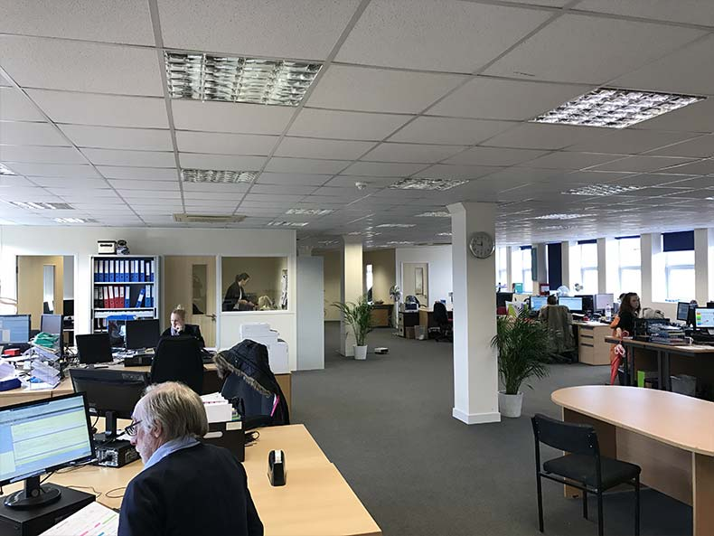 BOM IT office work area