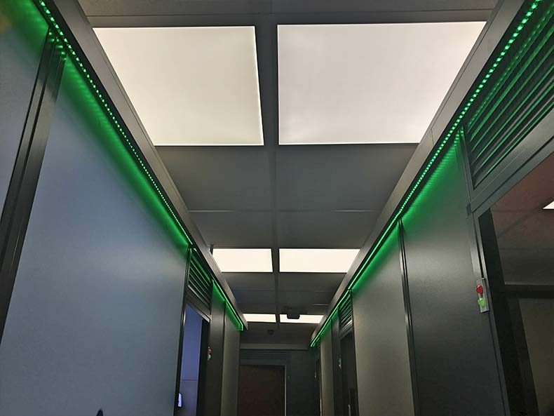 glӧden corridor with lighting